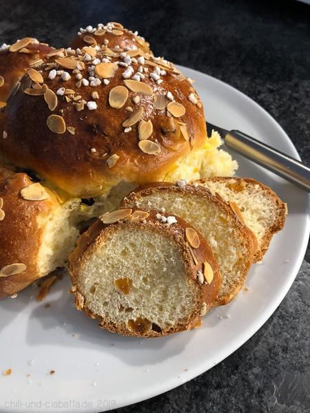 Gâteau des Rois im Anschnitt