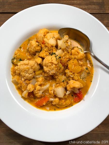 Blumenkohl-Curry mit roten Linsen