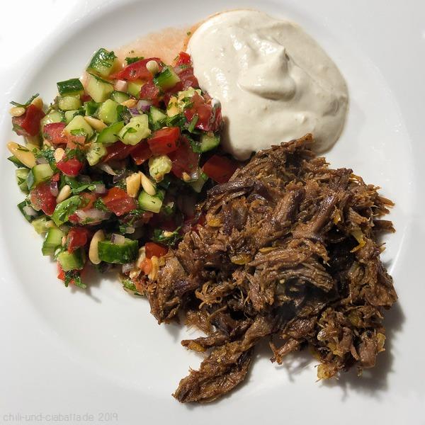 Shawarma mit israelischem Salat