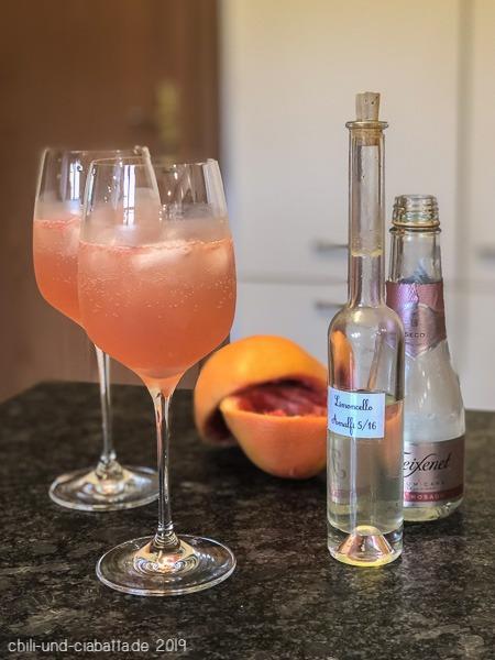 Grapefruit-Limoncello Spritz