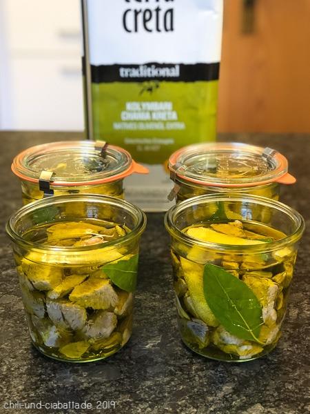 bedeckt mit Olivenöl