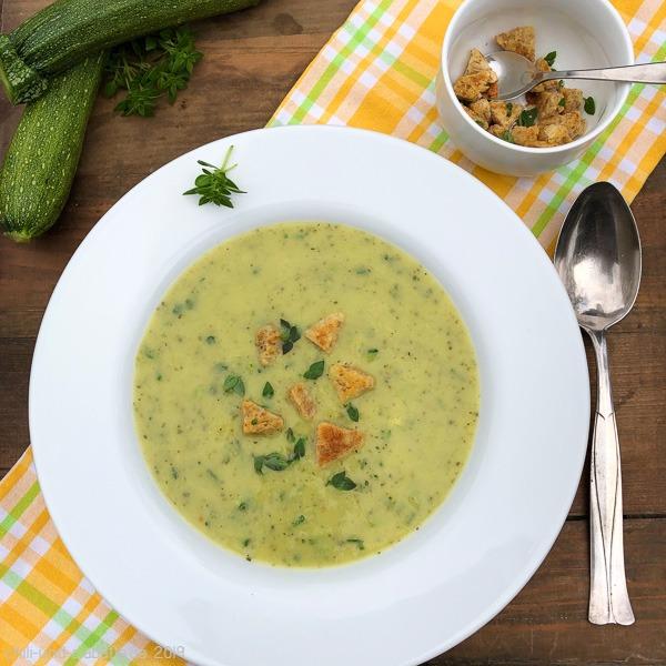 Zucchini-Cremesuppe
