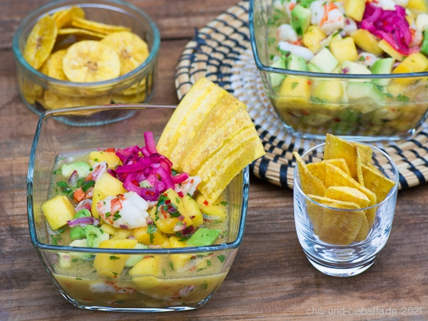 Ceviche mit Shrimps, Mango und Avocado